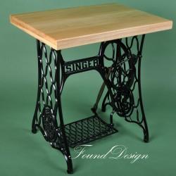 Дубовый столик на станине Singer