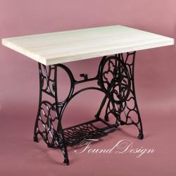 Письменный стол на станине от швейной машины Pfaff