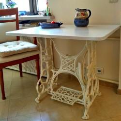 Кухонный столик на станине от швейной машины Durkopp