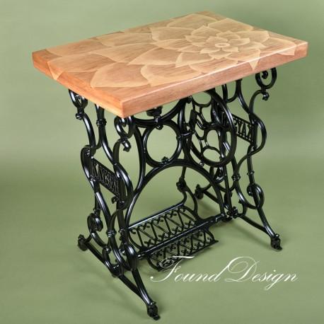 Столик с росписью